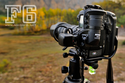 The L-bracket makes mounting the camera on a tripod horizontally or vertically quick and easy.