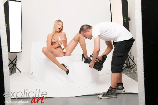 LUCY_HEART_EROTIQUE_31