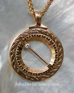 14k gold sundial closed