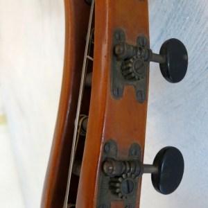 Goltz Lute Guitar 17