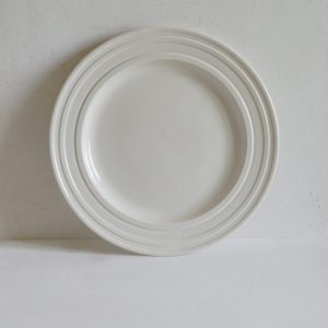 Impressed Line Dinner Plate in Porcelain