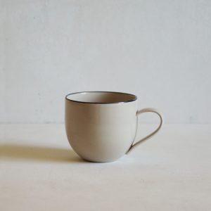 Simple Mug with a Black Rim