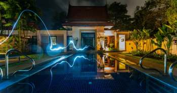 smart-home-pool-night