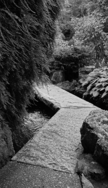 butchart stone bridge