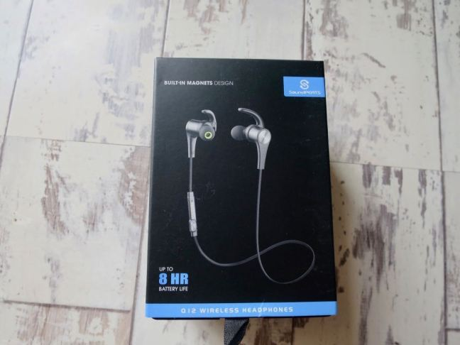 Soundpeats Q12 Headphones Box