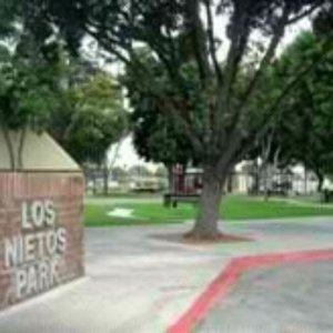 Los Nutos Park Recreation Building