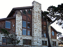 250px-Merrill_Hall_Asilomar_edit1