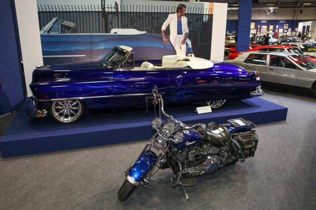 johnny-hallyday-retromobile-2017-moto-voiture-cadillac
