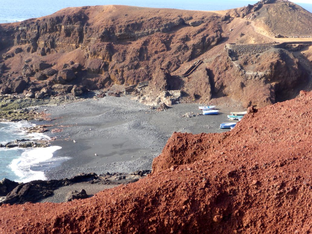 Instead of sand, much of Lanzorate is covered in lava formations