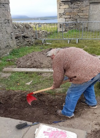 Dig 2021: #6 Through the midden