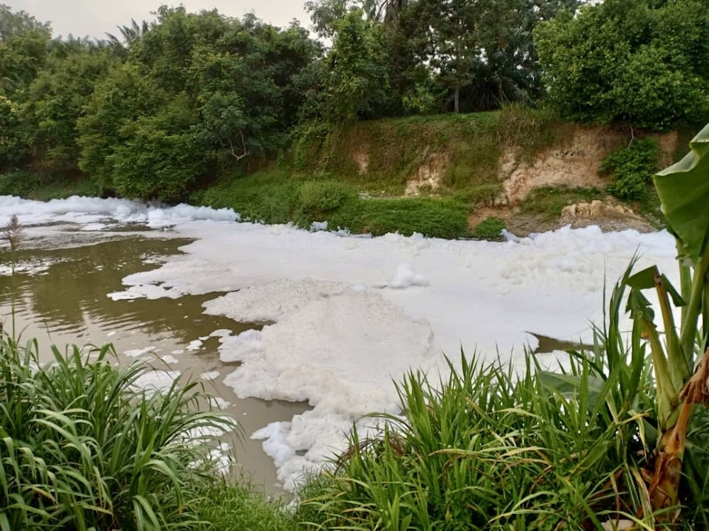 sungai_skudai_foam_20092019.jpeg