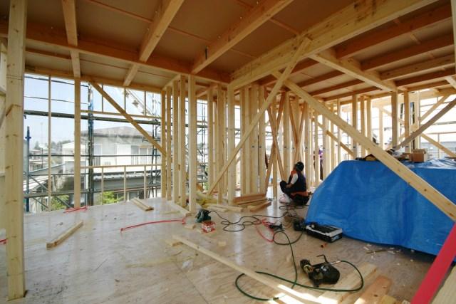 日光市千本木で屋上庭園付き住宅の建て方でした