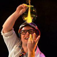jojofun-bubble-entertainer-london