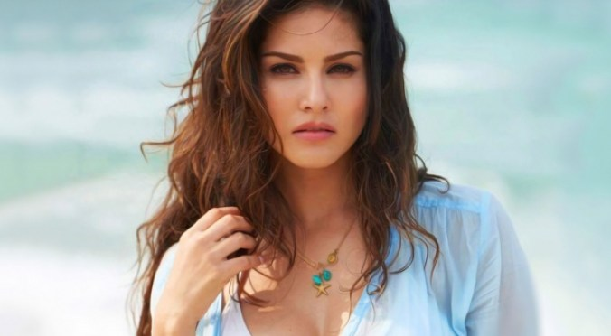 Download Latest Sunny Leone HD Wallpapers