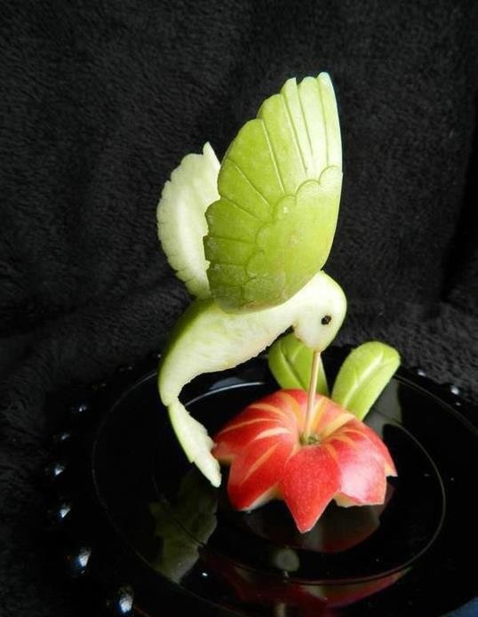 Amazing-Creativity-With-fruits-bird-creativepicture