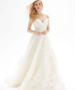 Brudklänning från Allure Bridals, Bröllopsklänning, brudklänning skåne, brudklänning Malmö, Brudkjole köpenhamn, Skånebröllop, bröllopsbutik Malmö, brudklänningsbutik Malmö