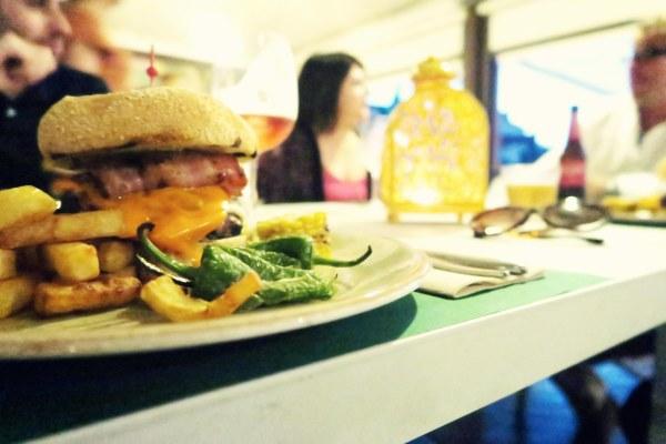 burger-at-sol-katmandu