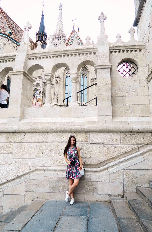 outfit-for-exploring-budapest