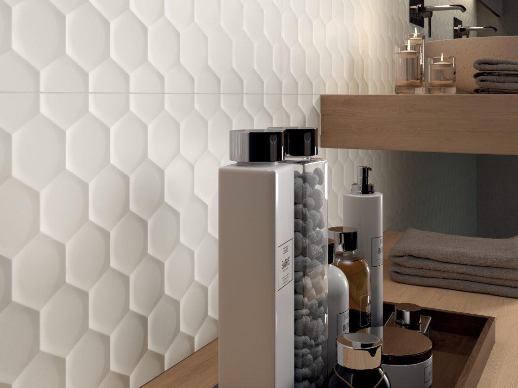 nid d abeille dans la salle de bains