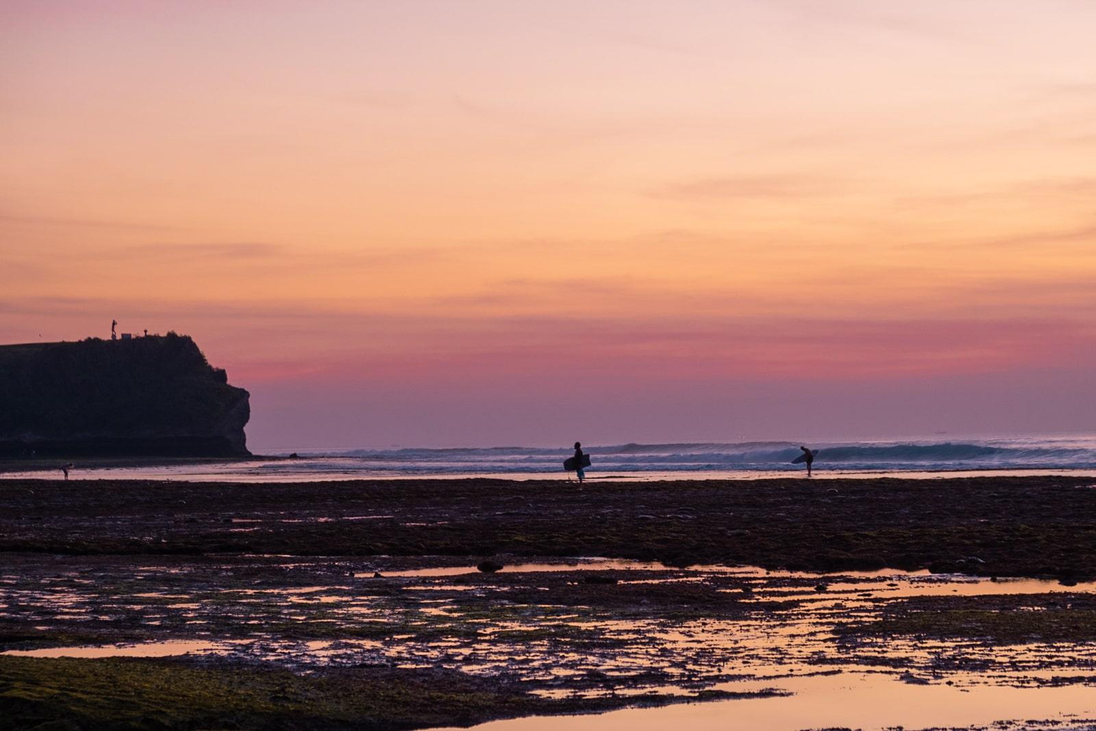 Bali : la Péninsule Sud - plage Balangan coucher de soleil | Jolis Carnets