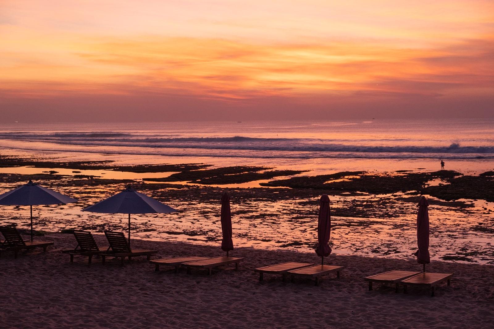 Bali : la Péninsule Sud - Balangan beach coucher de soleil | joliscarnets.net