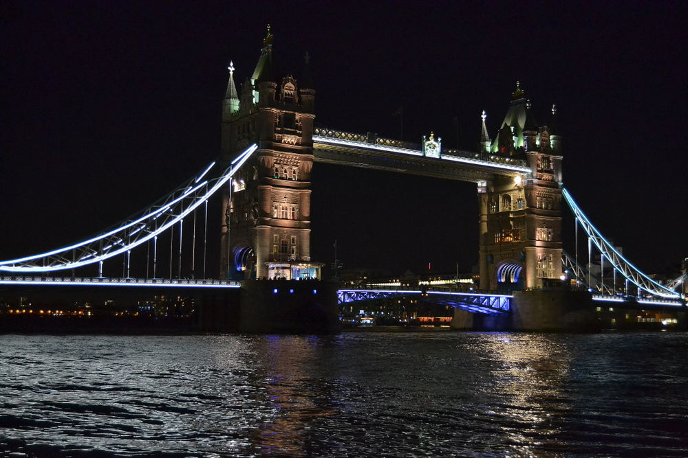 Tower Bridge by night (2)