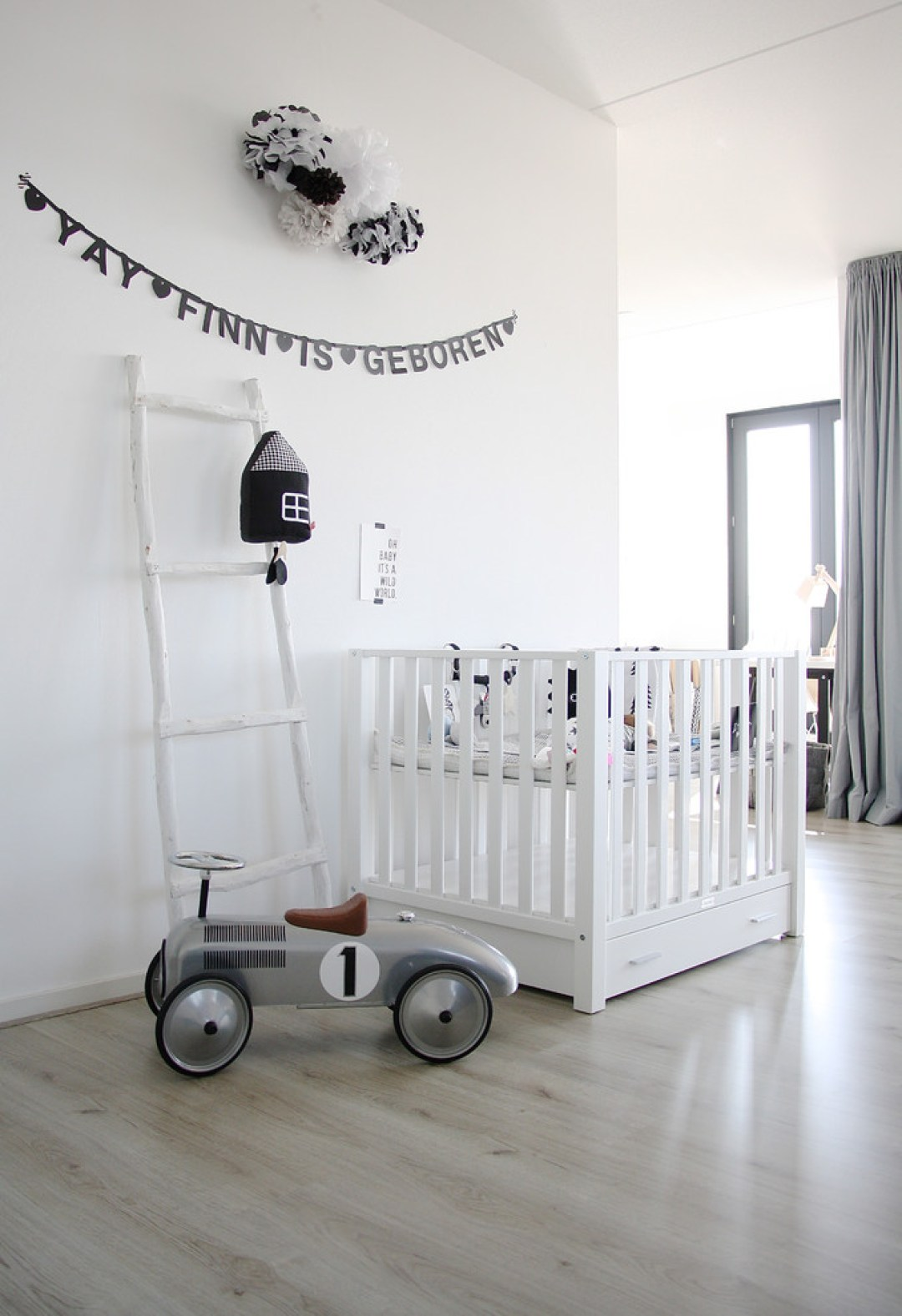 baby-boy-Nursery-black-and-white