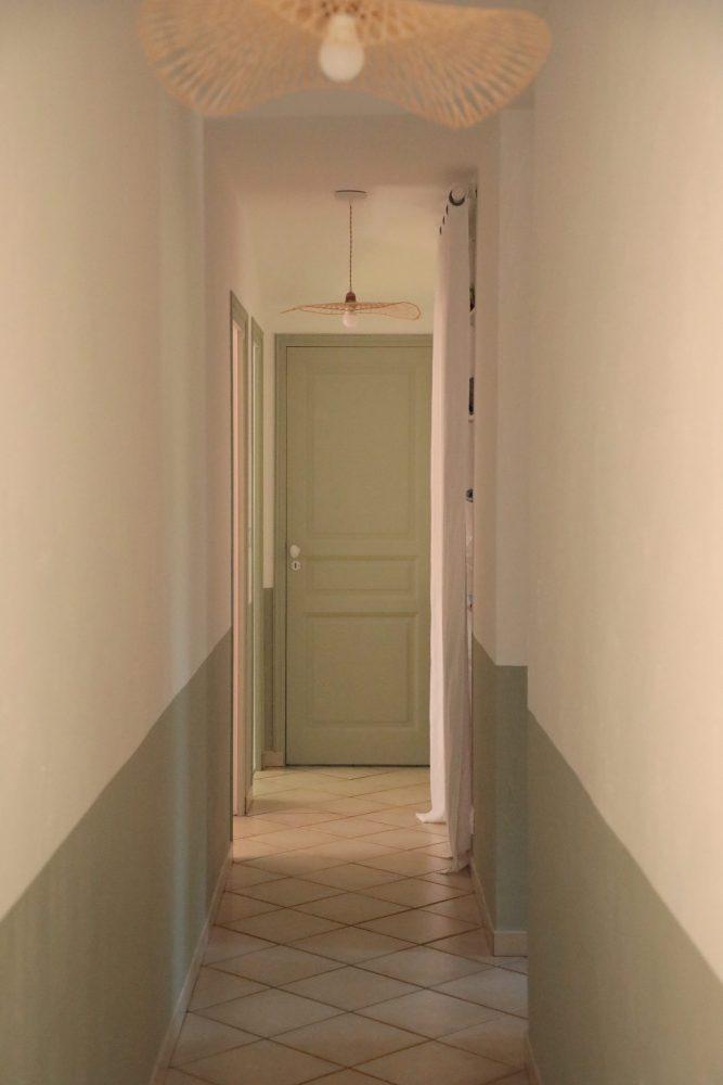 Maison Capbreton couloir soubassement peint