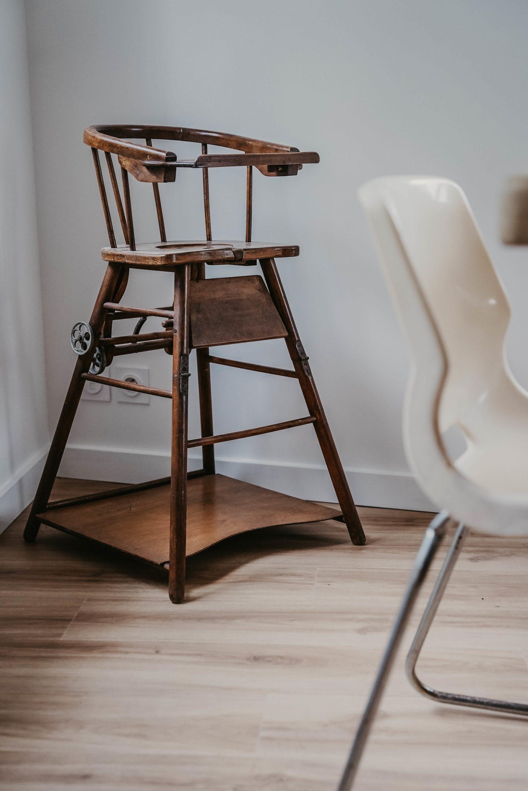 chaise haute ancienne déco vintage
