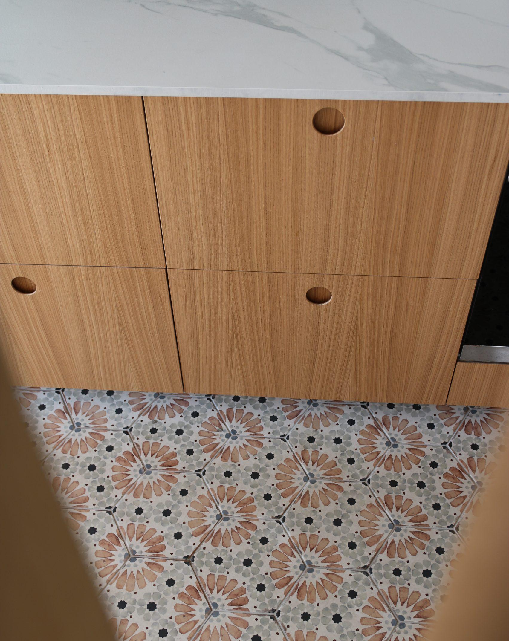 cuisine blanc bois carreaux de ciment