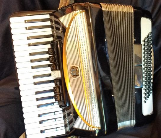 Soprani piano accordion (sold)
