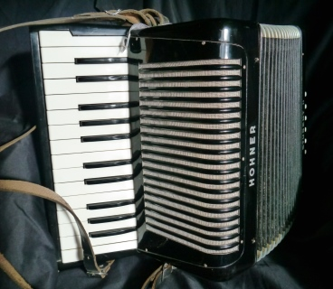 For Sale Hohner Student II accordion