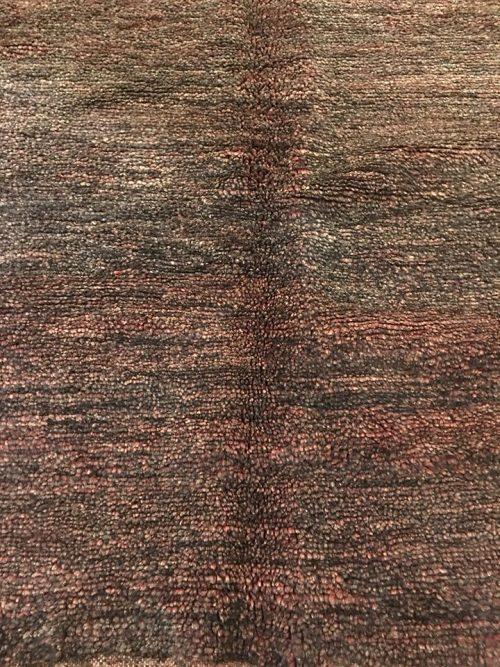 tapis berbère en laine noir aubergine