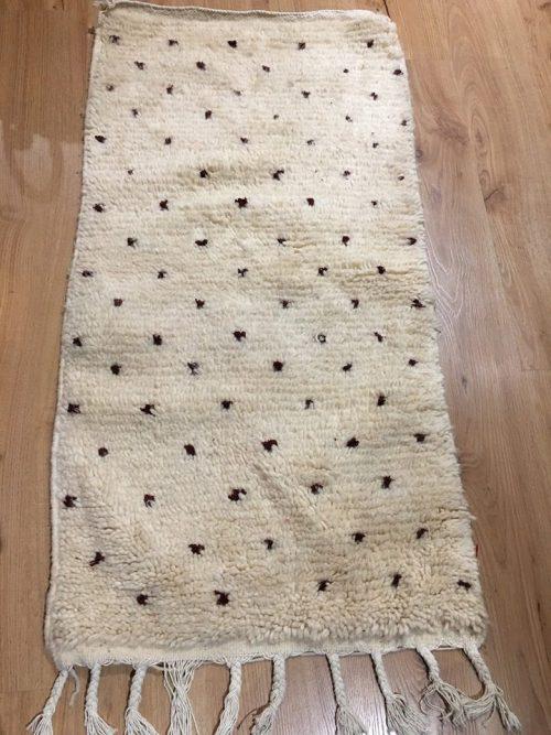 tapis berbère azilal à pois en laine