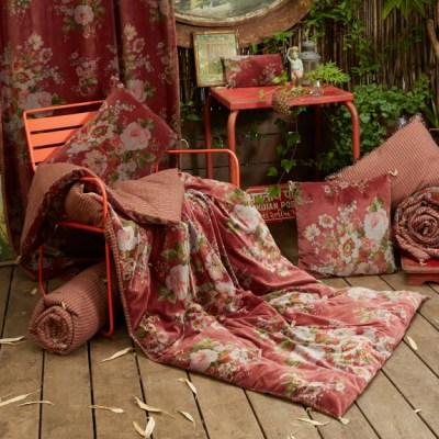 bout de lit velours à fleurs terracotta