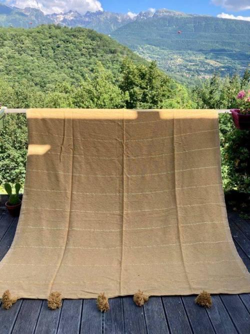 plaid à pompons coton camel rayures dorées