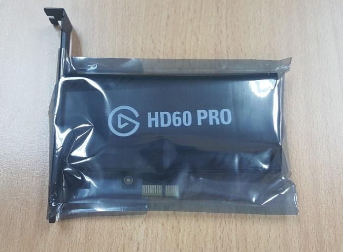 Alat game capture Elgato boleh dimuat susun dalam slot PCIe.