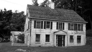 Josiah Woodhull House. Wikimedia Commons.