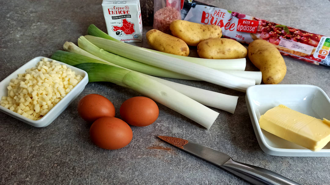Les ingrédients de la tarte aux poireaux et pommes de terre