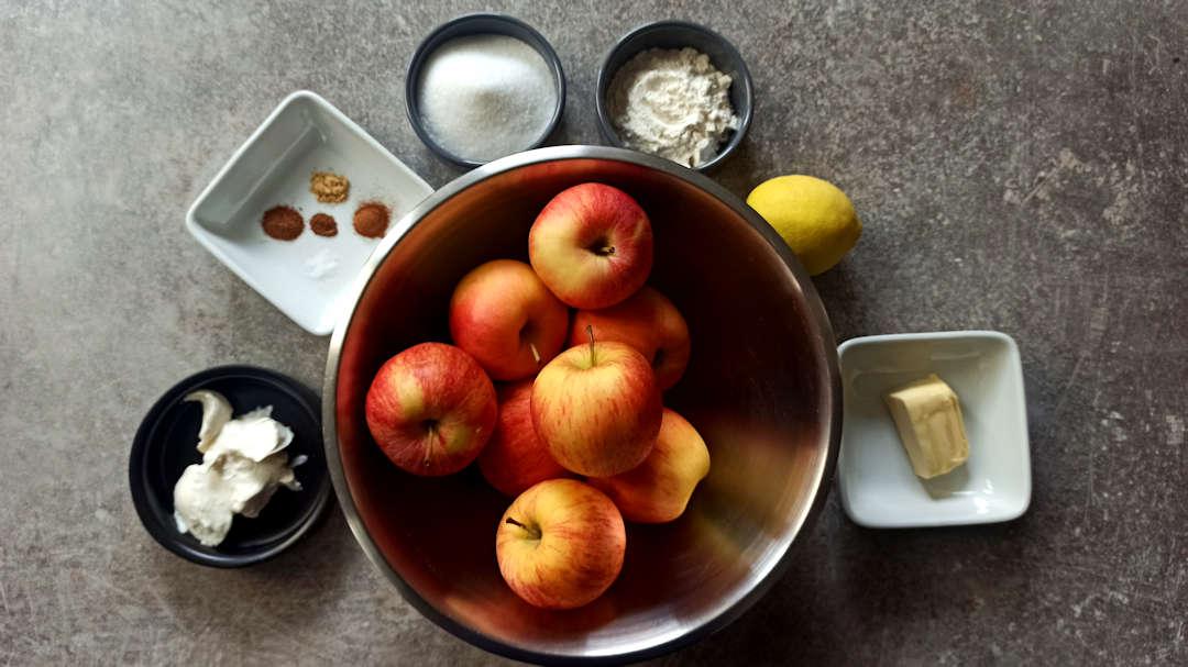 Les ingrédients de la garniture de l'appel pie traditionnelle