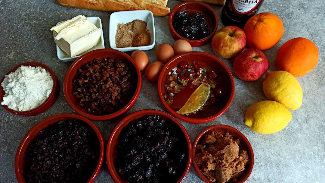 Les ingrédients pour la recette du plum pudding