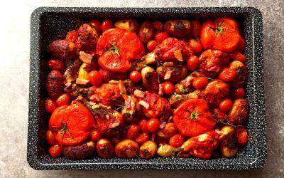 Traybake de poulet à l'amatriciana : un mariage italo-britannique