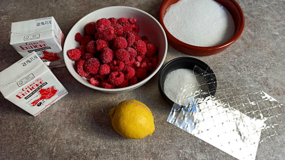 Les ingrédients pour la mousse framboise