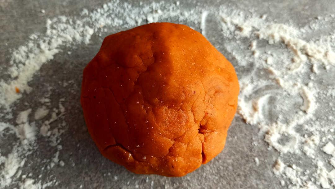 Former une jolie boule de pâte