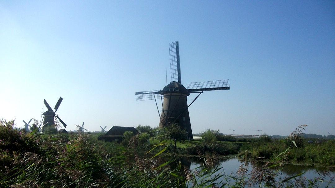Nederwaard - les moulins en pierre