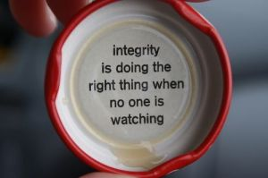 Integrity-Is-Doing-The-RIght-Thing-When-No-One-Is-Watching1