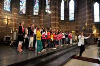 Zingen op het altaar