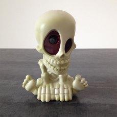 Voici le squelette rigolo du jeu Chass'Fantômes de Mégableu