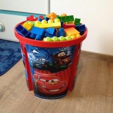 Les Mega Bloks prennent de la place, je vous conseille donc d'acheter une boite pour les stocker.