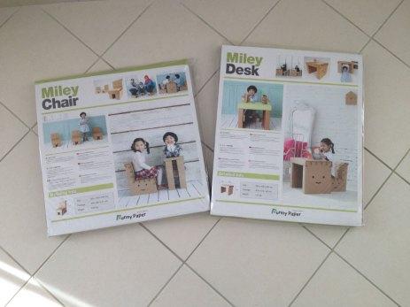 Le bureau et la chaise en carton Funny Paper